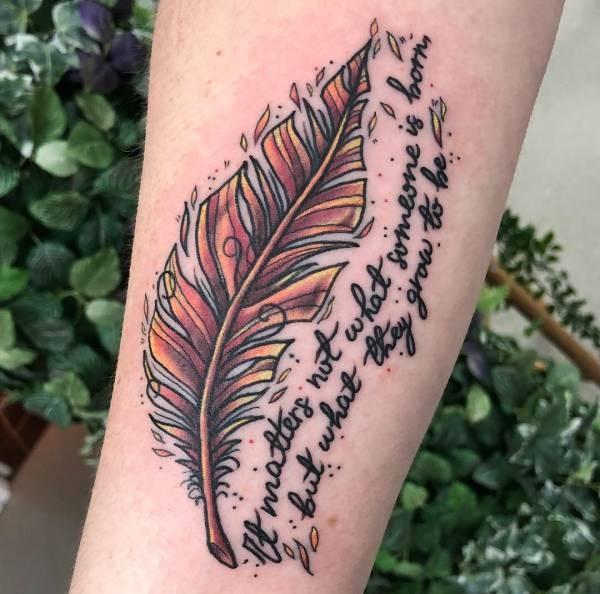 Betekenissen & inspiratie Dieren  Veren tattoo: betekenissen en 24 ideeën
