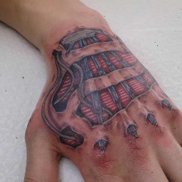 Betekenissen & inspiratie  Biomechanische tattoos: oorsprong en 100x tattoo-inspiratie