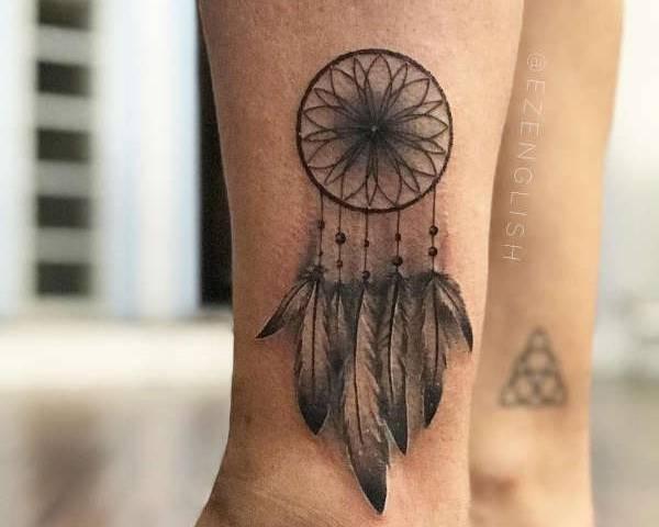 Voorkeur Dromenvanger (dreamcatcher) tattoo: betekenis en 50 tattoo ideeën #LF05