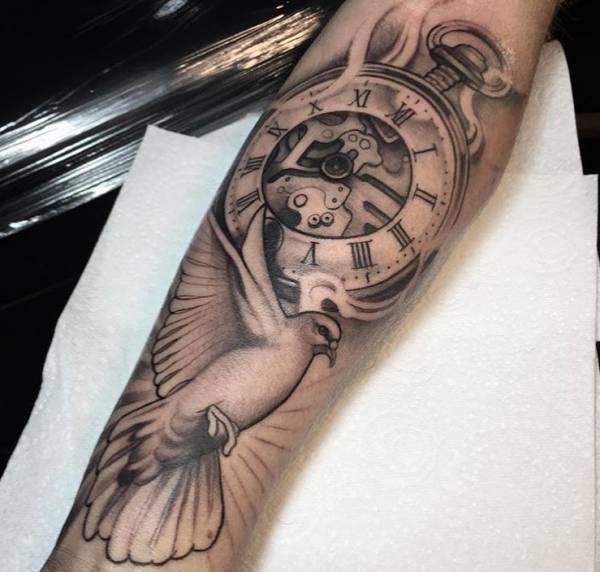 Duiven Tattoo Betekenis En 26 Ideeën