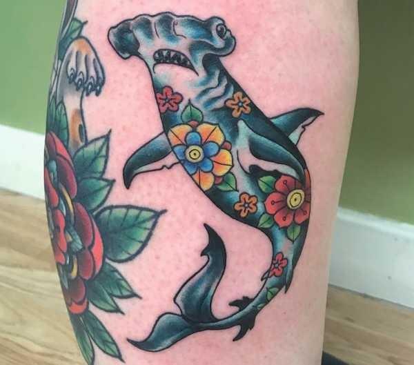Betekenissen & inspiratie Dieren  Haaien tattoos: betekenis en 20 ideeën