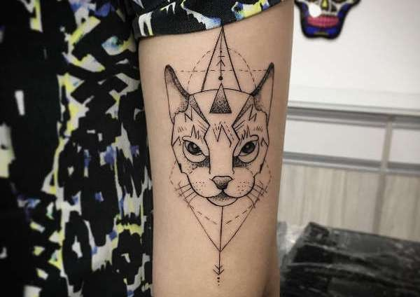 Betekenissen & inspiratie Dieren  Katten tattoos: betekenis en 50 tattoo ideeën