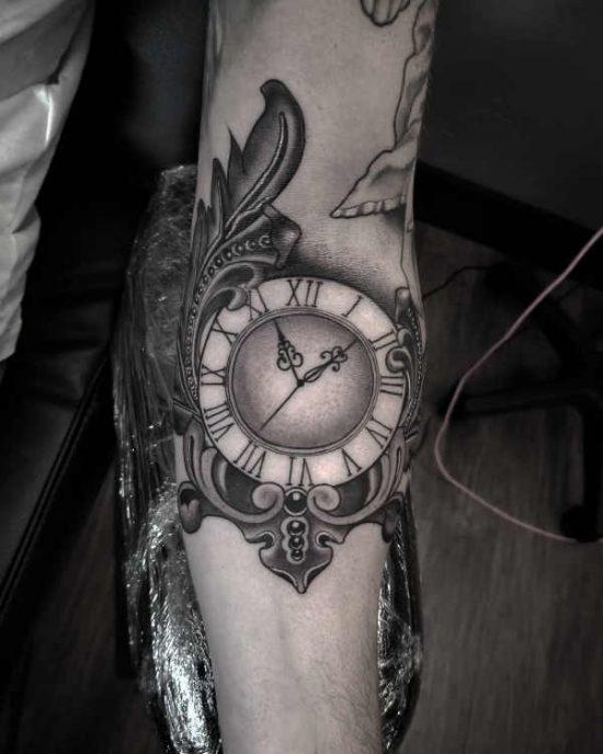 Beroemd Klok tattoo: betekenis & 50 tattoo ideeën @TF15