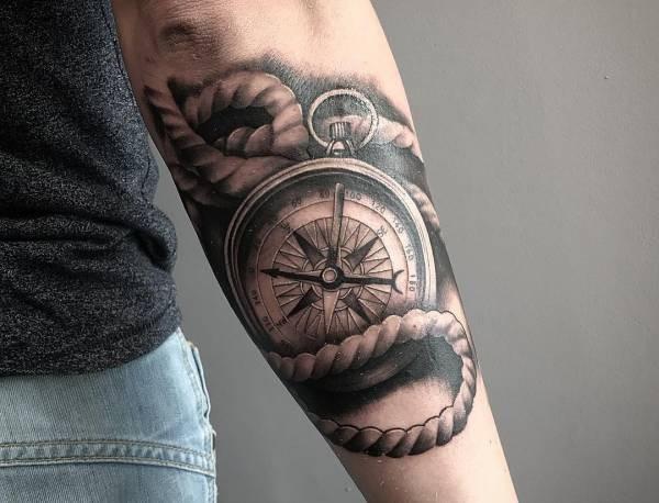 Uitzonderlijk Kompas tattoo: betekenis en 60 ideeën ter inspiratie #YC52