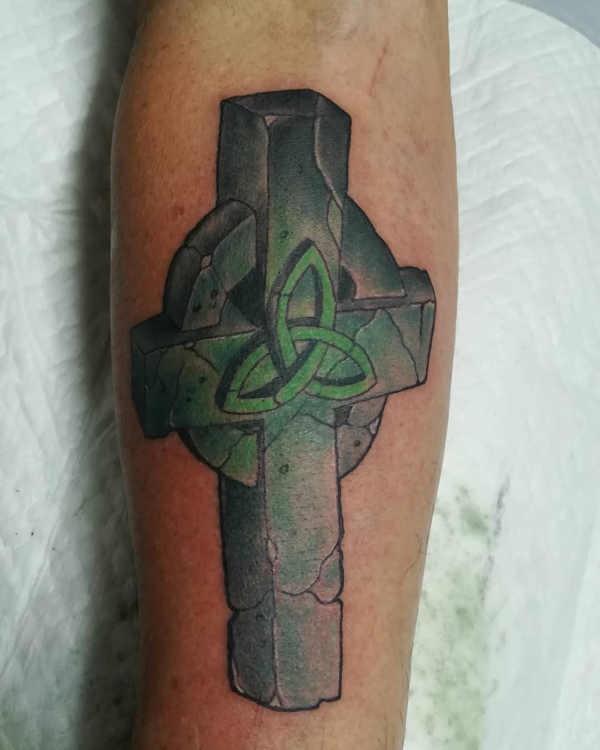 Betekenissen & inspiratie  Kruis tattoo: betekenis en oorsprong & 150x tattoo-inspiratie