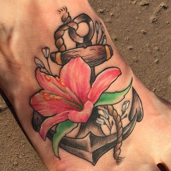 Betekenissen & inspiratie Bloemen  Lelie tattoo: betekenis & 50x tattoo-inspiratie