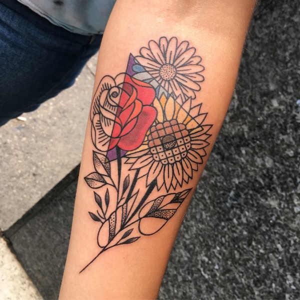 Betekenissen & inspiratie Bloemen  Margriet tattoo: betekenis en 80x tattoo-inspiratie